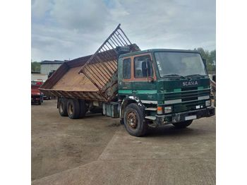 SCANIA P 82H 210 left hand drive Turbo 10 tyres 26 ton - самоскид вантажівка